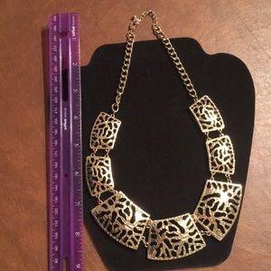 Jewelry - Goldtone adjustable necklace costume jewelry NWOT